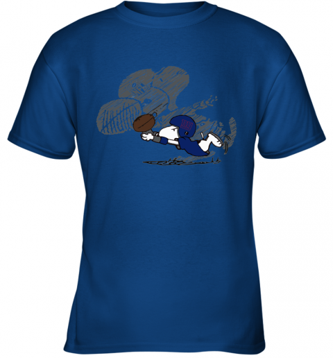 New York Giants Snoopy Plays The Football Game Youth T-Shirt
