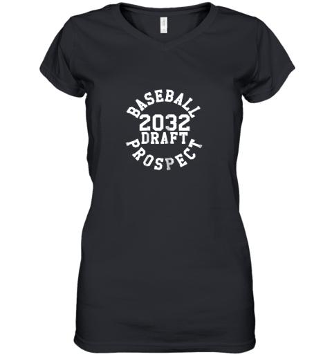 Kindergarten Shirt Funny Class of 2032 Baseball Gift Women's V-Neck T-Shirt