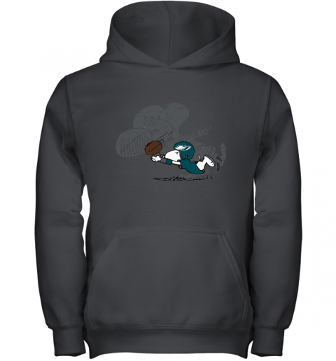 Philadelphia Eagles Snoopy Plays The Football Game Youth Hoodie