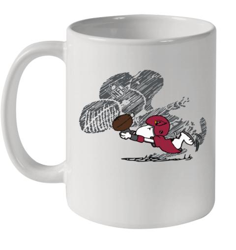 Arizona Cardinals Snoopy Plays The Football Game Ceramic Mug 11oz