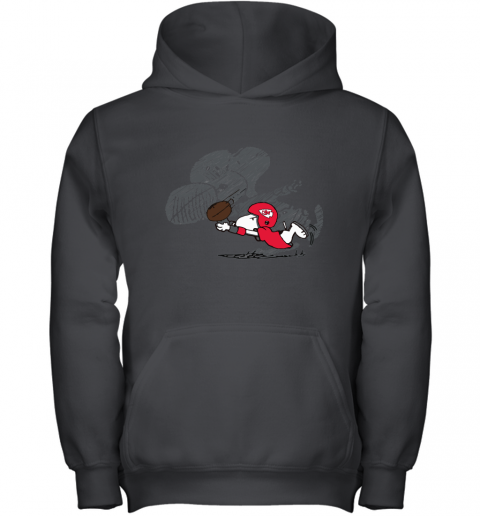 Kansas City Chiefs Snoopy Plays The Football Game Youth Hoodie