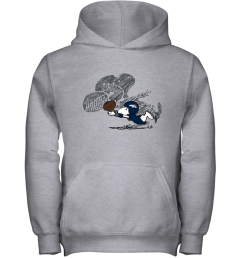 Denver Broncos Snoopy Plays The Football Game Youth Hoodie