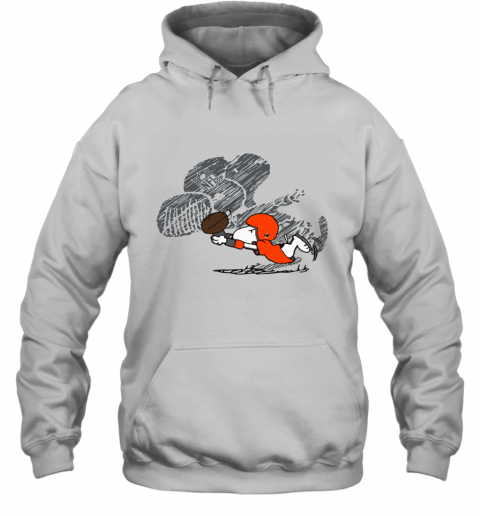 Cleveland Browns Snoopy Plays The Football Game Hoodie