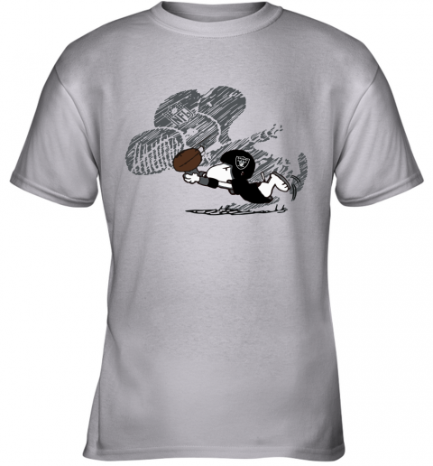 Oakland Raiders Snoopy Plays The Football Game Youth T-Shirt