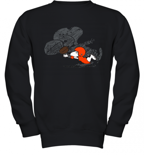 Cleveland Browns Snoopy Plays The Football Game Youth Sweatshirt