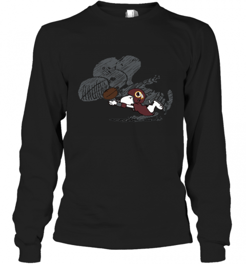 Washington Redskins Snoopy Plays The Football Game Long Sleeve T-Shirt