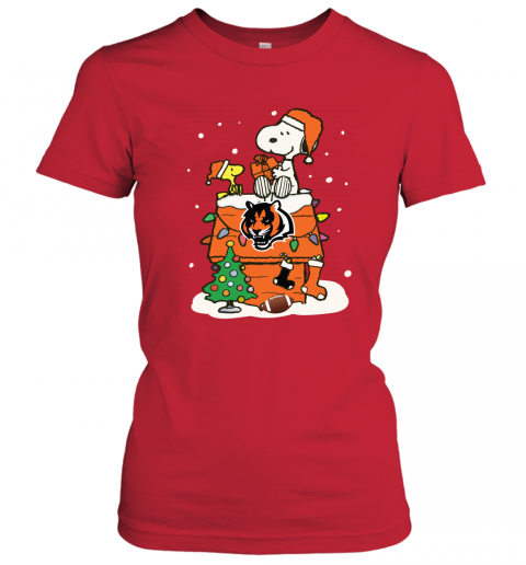 8yjw a happy christmas with cincinnati bengals snoopy ladies t shirt 20 front red