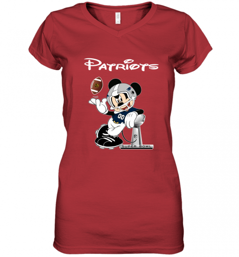 ro5e mickey patriots taking the super bowl trophy football women v neck t shirt 39 front red
