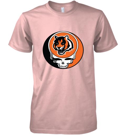 tz3i nfl team cincinnati bengals x grateful dead logo band premium guys tee 5 front light pink