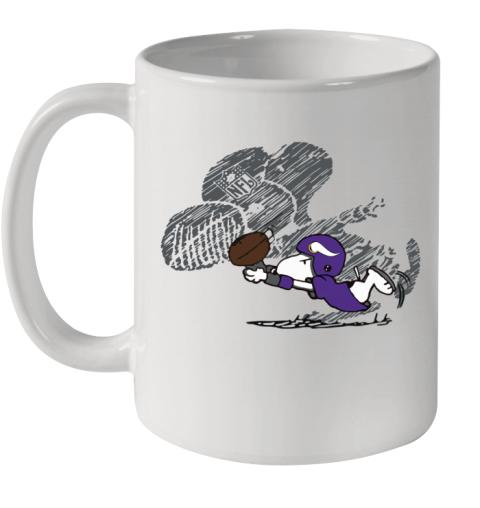 Minnesota Vikings Snoopy Plays The Football Game Ceramic Mug 11oz
